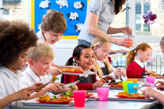 sprechi-alimentari-mense-scolastiche-640x426